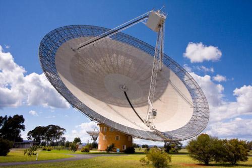 64-metre diameter Parkes Telescope